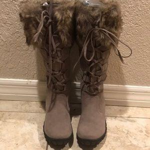 Nwot Bucco suede fur lace up boots